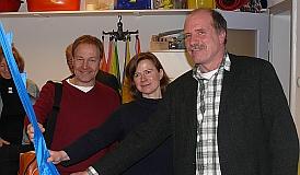 Hans-Peter Storz (SPD) mit Sandra Schindler und Andreas Laube von der Frühförderstelle